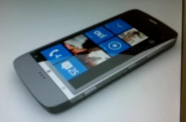 Фото неизвестных WP7 смартфонов Nokia