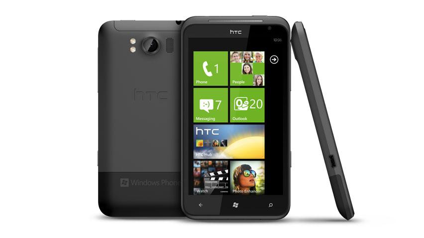 HTC представила два смартфона на WP7