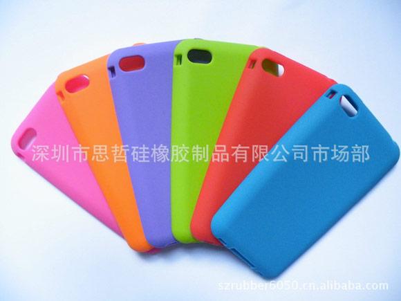 Новая порция чехлов для iPhone 4S и iPhone 5
