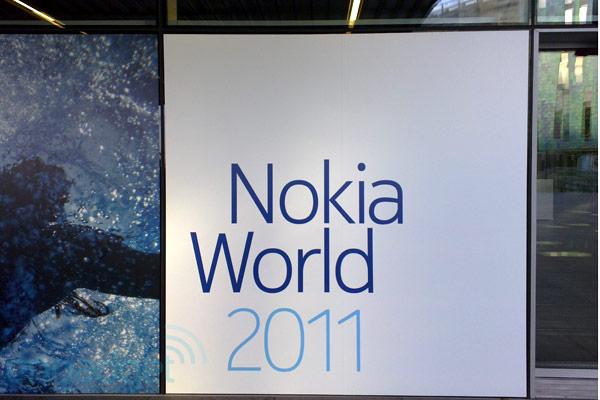 Смартфоны Nokia Lumia 800 и 710 на базе WP7.5