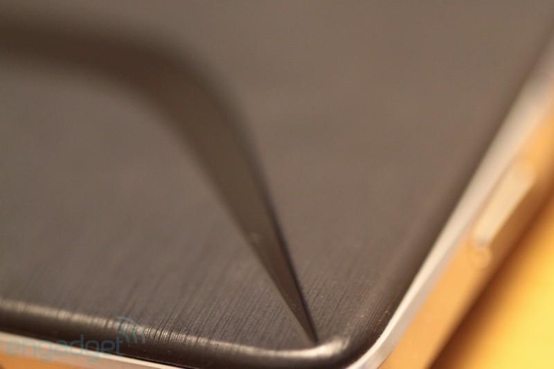 """Lenovo выпустит 10,1-дюймовую """"таблетку"""" на Android ICS"""