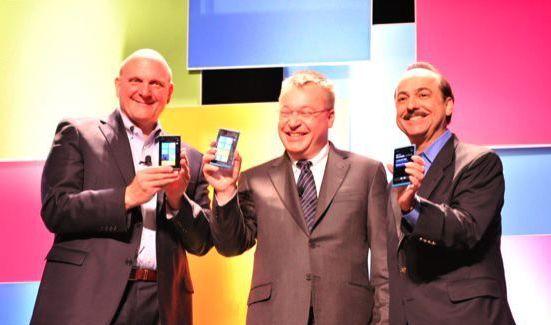 Nokia Lumia 900 официально представлен на CES 2012