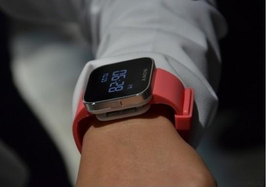 Sony Xperia SmartWatch теперь наручные часы