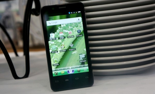 Android-смартфон MegaFon SP-A20i Mint на процессоре Intel Atom