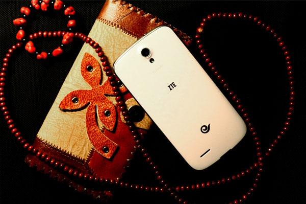 Компания ZTE представила смартфон N909