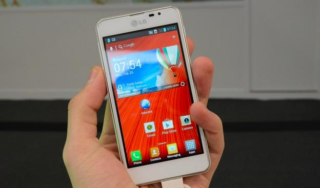 LG Optimus F5 выходит в продажу