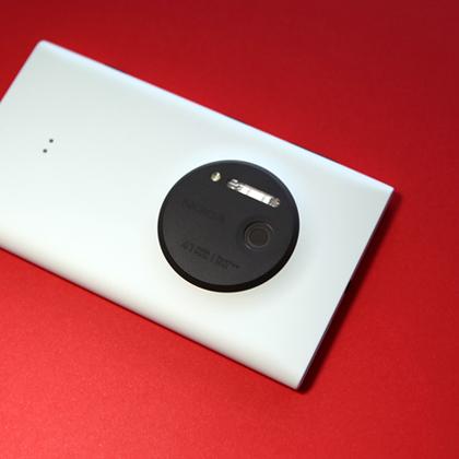 Nokia представила Lumia 1020 с 41-Мп камерой