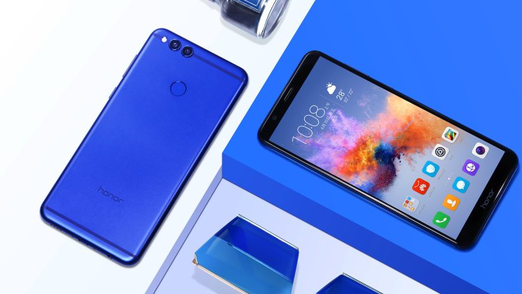 Huawei официально представила Honor 7X и Honor View 10