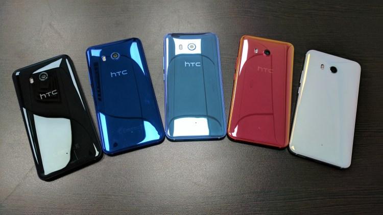 В сети появились рендеры флагмана HTC U12