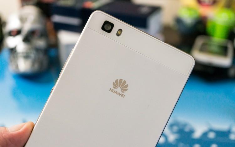 Huawei впервые обошла Apple по количеству проданных смартфонов в России
