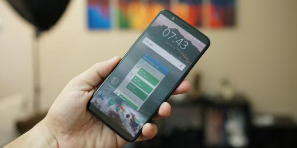 Качественные утекшие фото предполагаемого OnePlus 6