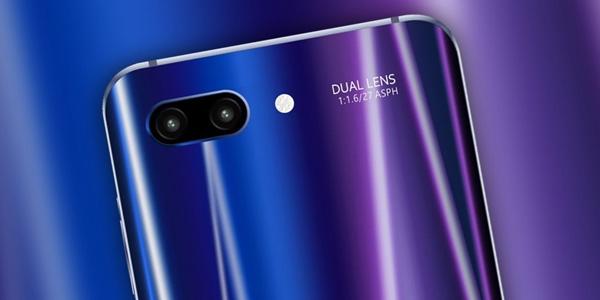 Яркий смартфон Honor 10 представлен официально