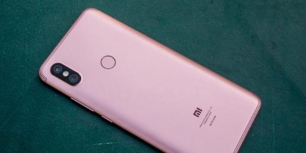 Xiaomi готовит бюджетный смартфон Redmi S2 с поддержкой ИИ