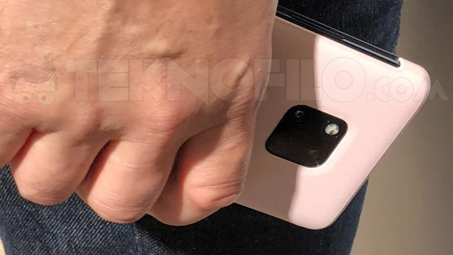 Huawei Mate 20 Pro на фото
