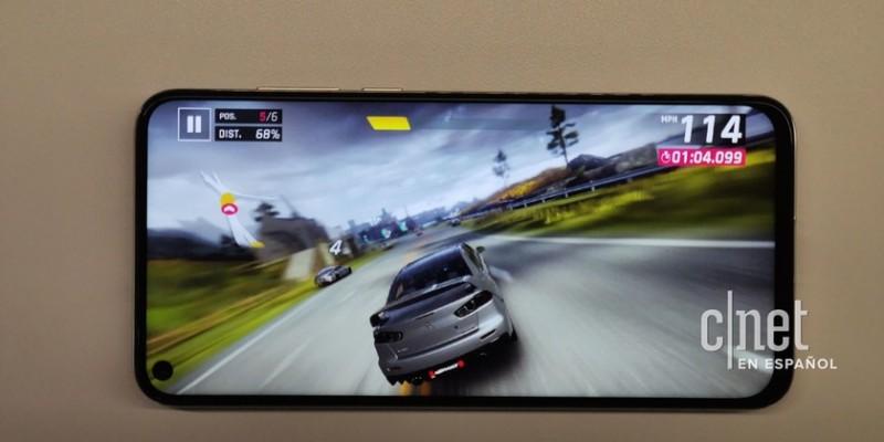 Huawei Nova 4 с фронтальной камерой в углу дисплея появился в видеоролике
