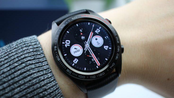 Huawei выпустила умные часы Honor Watch Magic ибраслет Honor Band4 Running в России