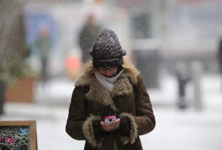 Как защитить смартфон от холода