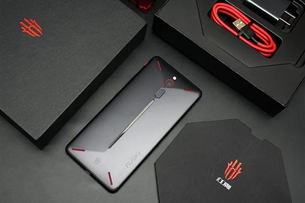 Nubia представит игровой смартфон Red Magic 3 в конце апреля
