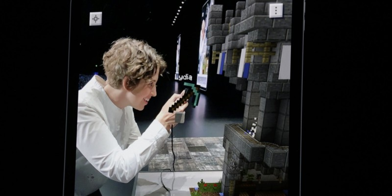 Демонстрация Minecraft Earth на конференции Apple WWDC 2019
