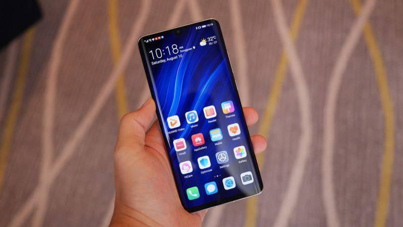 Названы смартфоны Huawei, которые первыми получат EMUI 10