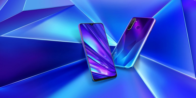 Смартфоны realme 5 и realme 5 Pro выходят России. Названы официальные цены