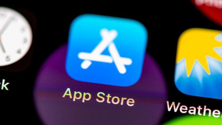 В топе App Store оказалась поддельная версия игры Among Us